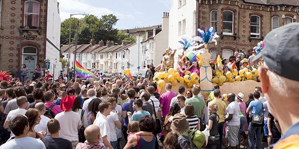 ente celebrando el día del Orgullo Gay