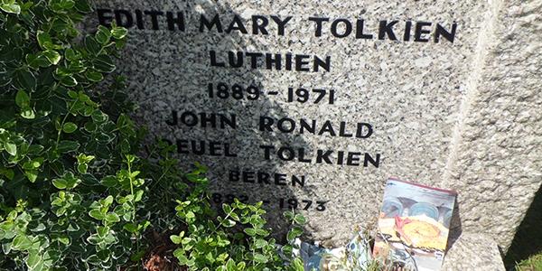 Lápida de Edith Mary Tolkien Luthien Q